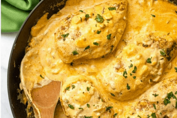 KETO CHICKEN WITH JALAPENO CHEESE SAUCE